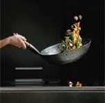 C10 TECNICAS GASTRONOMICAS: Las técnicas de cocina, nos enseñan los diferentes modos de preparar alimentos, cada uno modifica las propiedades de los mismos de una forma diferente, y resultan más adecuados a uno u otro insumo o especialidad. Las principales son: Corte, temperatura, asado, hervor, fritura, horneado, braceado, gratinado, vaporizado, flameado, a la plancha, microondas, etc