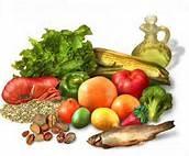 C19 MINERALES: Son tan importantes como vitaminas para lograr el mantenimiento del cuerpo en perfecto estado de salud. Pero, como el organismo no puede fabricarlos, debe utilizar las fuentes exteriores de los mismos, como son los alimentos, los suplementos nutritivos, la respiración y la absorción a través de la piel, para poder asegurar un adecuado suministro de ellos. Después de la incorporación al organismo, los minerales no permanecen estáticos, sino que son transportados a todo el cuerpo