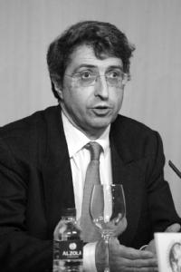 Alfredo Martínez, catedrático de la Universidad de Navarra CALLEJA